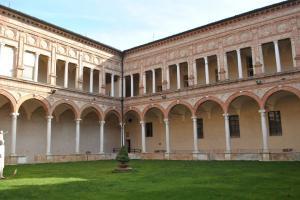 Cremona V002
