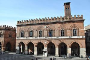 Cremona V015