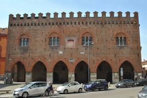 Cremona V024