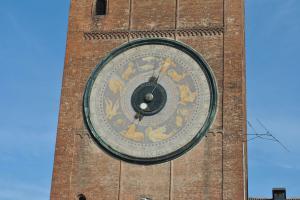 Cremona V027
